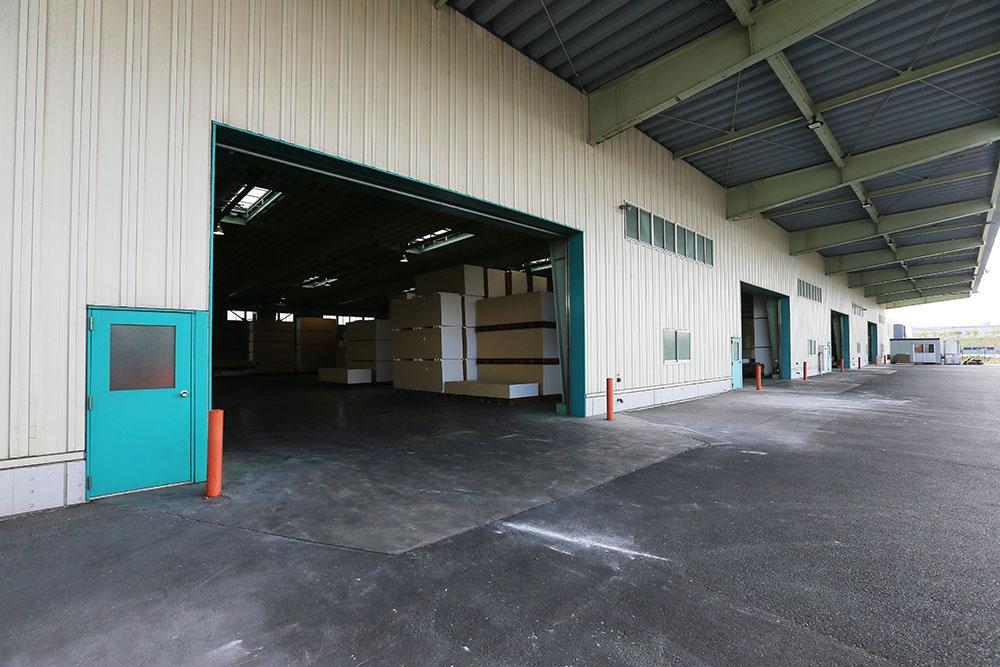 日本全国に◯拠点の倉庫を保有
